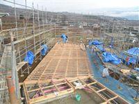 2012/1/22    足場組み、1階床組作業